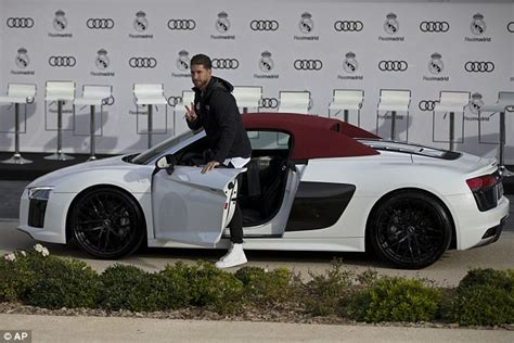 Ronaldo Audi by Ronaldo Given Luxurious Audi After Chions League Record