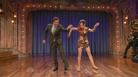 Emma Watson Jimmy Fallon Dance | emma watson shows dance moves on the jimmy fallon show