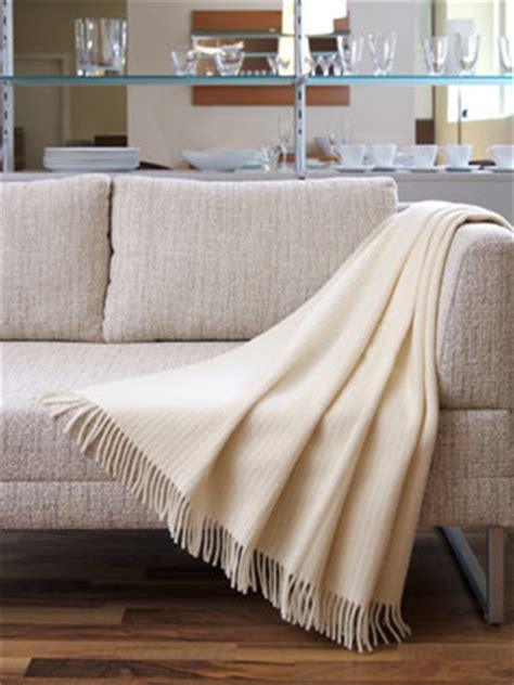 How To Use A Throw On A Sofa 15 brown beige throws how to use them on a medesignwe