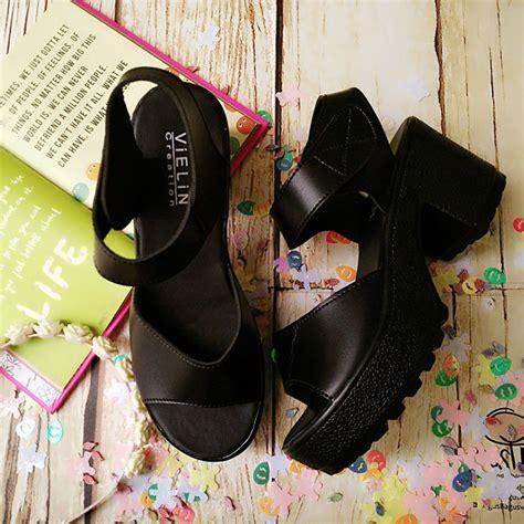 Sepatu Sandal Wanita Wedges 2 Ban Hitam sepatu high heels wanita hitam 2 ban dan putih
