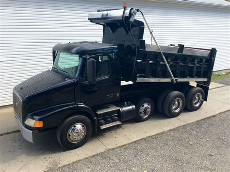 volvo truck 2003 2003 volvo 379 triaxle dump truck for sale