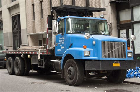 who owns gmc 100 who owns volvo trucks volvo a