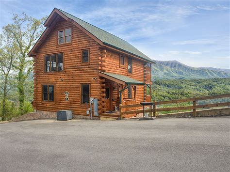 Great Smoky Mountain Cabin Rental by Great Smoky Mountain Luxury Cabins Luxury Smoky Mountain