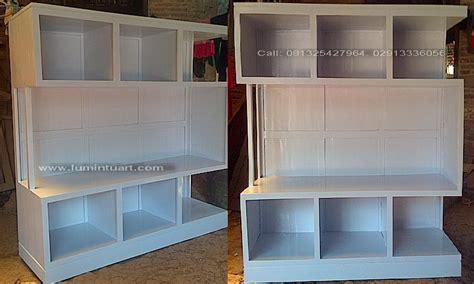 Penyekat Ruangan Dan Meja Tv rak buku partisi penyekat ruangan hias minimalis jati