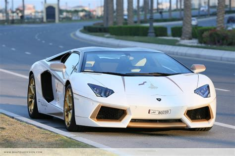 lamborghini gold meet the one off gold plated lamborghini aventador