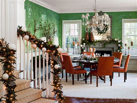 traditional home christmas decorating 3 homes that nail chic holiday decorating how to get the
