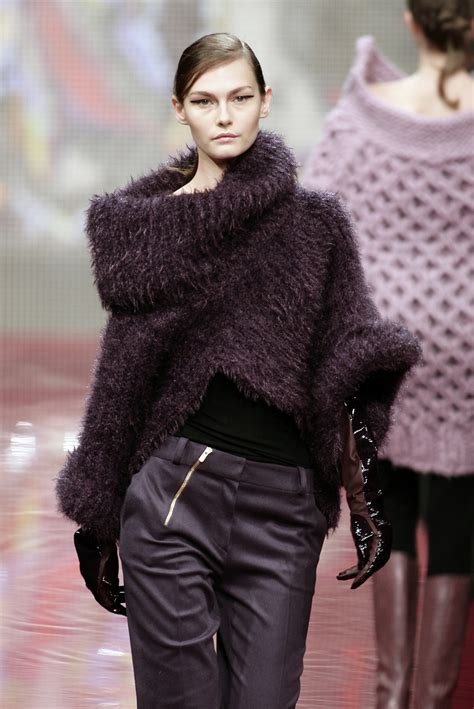 Fashion Week Fall 2007 Noir by Laroche Fall 2007 Runway Pictures Livingly