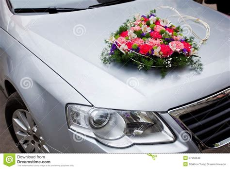 Decorate Wedding Car With Pink Flowers by Wedding Car Decoration With Flowers Stock Photos Image