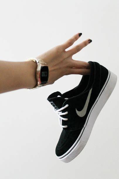 shoes nike sneakers black white black nike nike