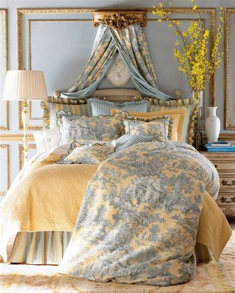 french toile bedroom best 25 blue yellow bedrooms ideas on pinterest blue