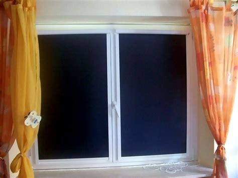 Sichtschutz Fenster Dunkelheit by Fl 228 Chenvorhang Als Hitzeschutz Blendschutz Und Sichtschutz