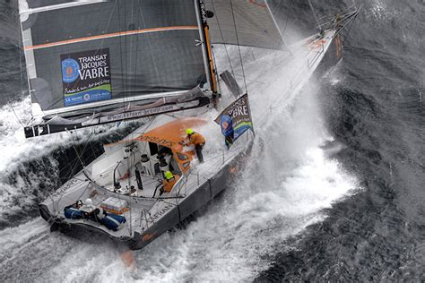 bateau safran jacques vabre safran contraint 224 faire escale course au large