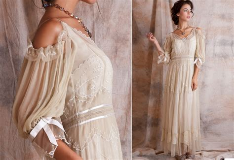 Vintage Style Wedding Dresses by Vintage Style Wedding Dresses Iris Gown