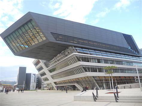 obras de tcito biblioteca fallece la arquitecta zaha hadid