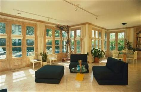 Best Windows For Sunroom Sunroom Flooring Ideas With Pictures Ehow