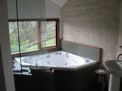 bathroom hot tubs 301 moved permanently