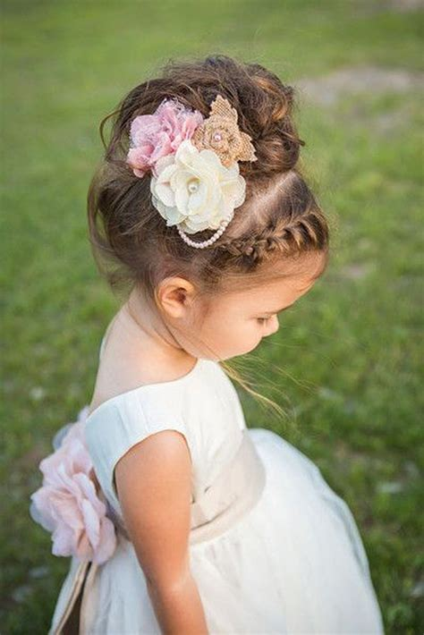 Flower Hairstyles For Toddlers by 17 Best Images About Kapsels Voor On