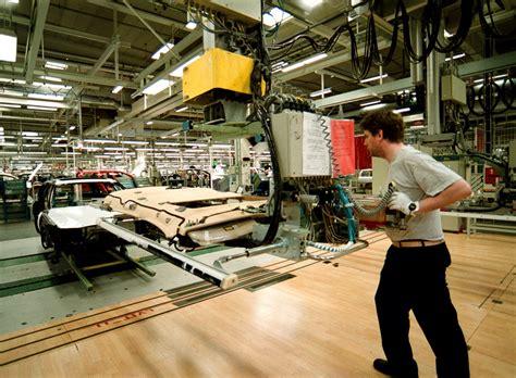 mass market cars  niche sports utility vehicles  volvo torslanda plant turns