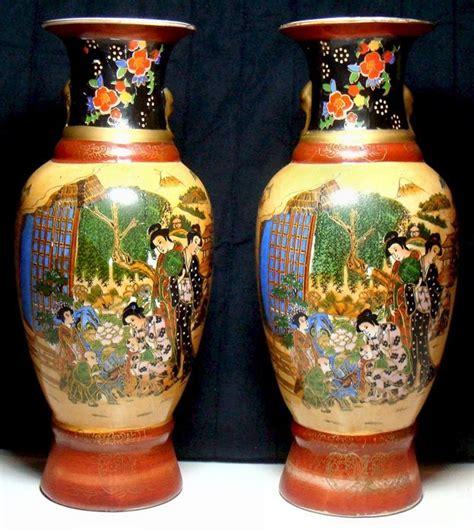vasi cinesi due vasi cinesi in porcellana cina xx secolo