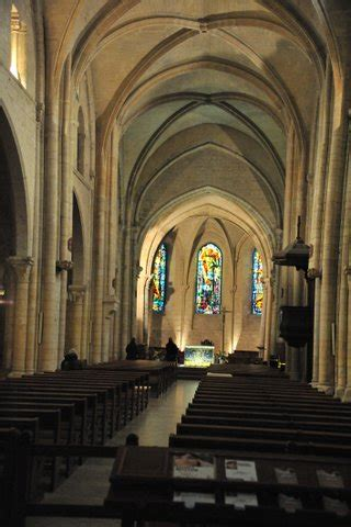 the empty churches of the city of lights