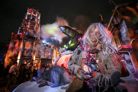 terror nights haunted house best haunted houses in los angeles from spooky to terrifying