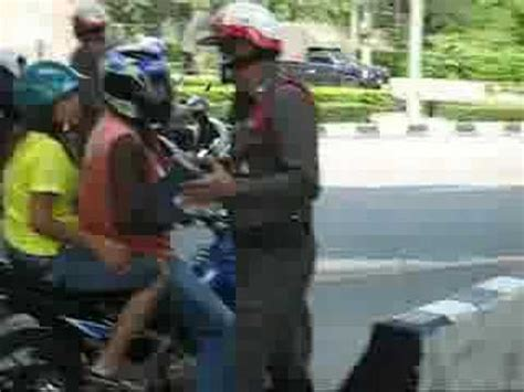 For Bad Cops In Thailand Involves Hello by Traffic In Thailand So Bad Doovi