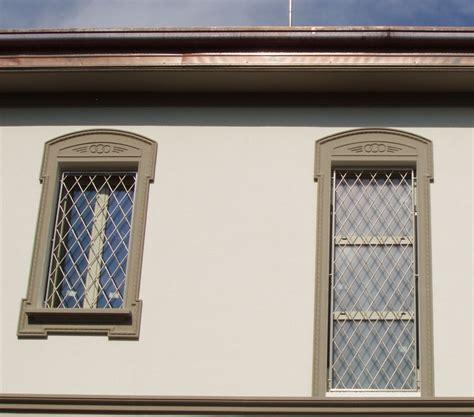 grate per porte inferriate e grate di sicurezza per finestre e porte