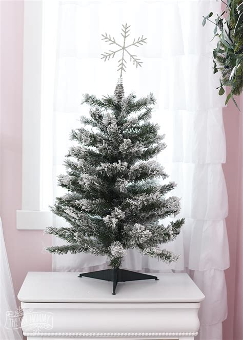 flocked tree how to decorate a white flocked tree the diy