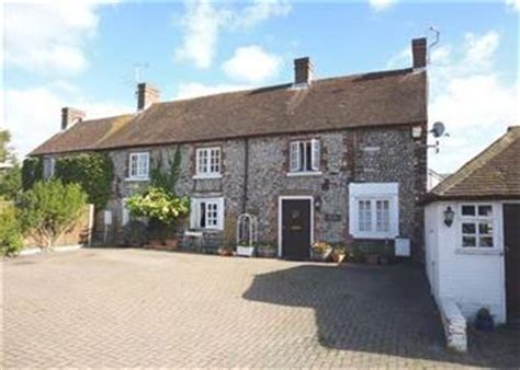 Cottages Worthing by The School House Ref 29167 In Salvington Nr
