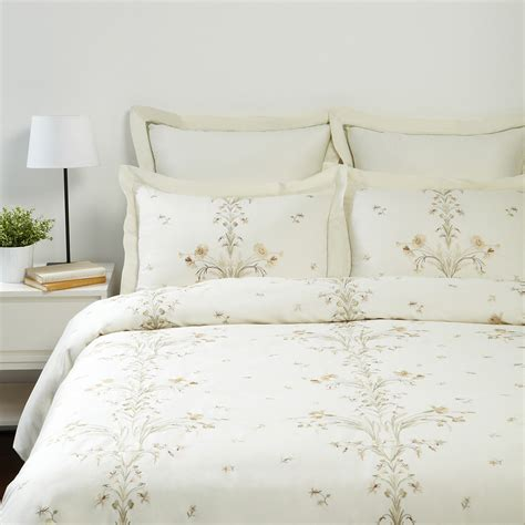 Raymond Waites Quilt by Raymond Waites Garland 5 Duvet Set
