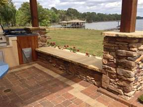 how to use seating walls for outdoor kitchens and landscaping designs