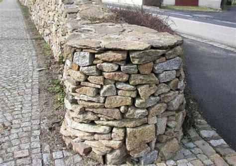 Natursteinmauern Bauen Worauf Kommt Es An