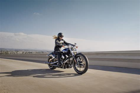 female motorcycle riding harley davidson study women who ride are happier more