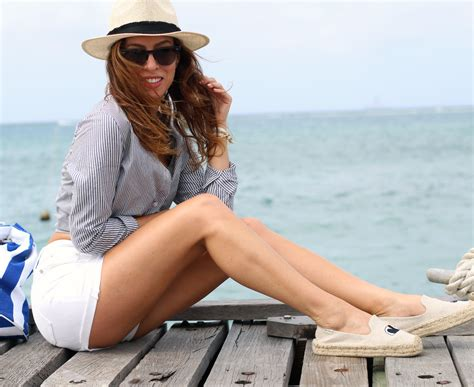 boat wear what to wear on a boat boating outfit ideas sydne style