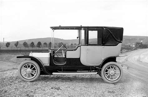 first car ever made by henry ford who invented the first car karl benz or henry ford