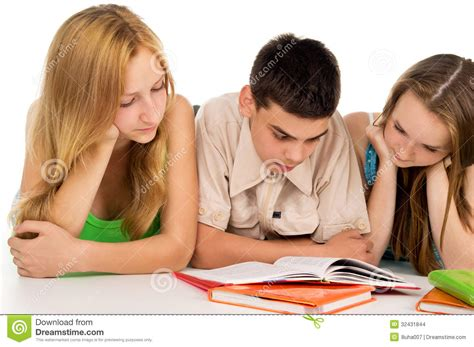 pictures of students reading books students reading books stock images image 32431844