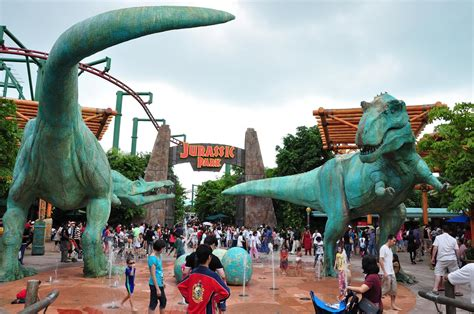 the theme park picture of universal studios singapore universal studios singapore travel my blog