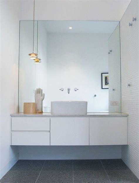 badezimmer theken tiefe 30 coole ideen um gro 223 e spiegel in ihrem badezimmer