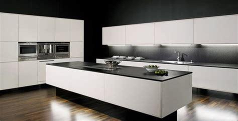 Superbe Cuisine Blanche Mur Gris #5: cuisines-blanches-noires.jpg