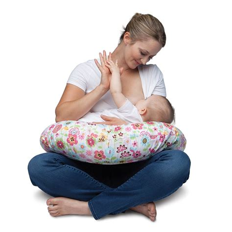 how to use a boppy nursing pillow find your fit 10 top nursing pillows