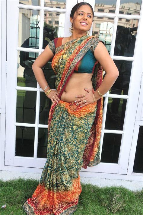 Hany Blouse By Galery Chori sunakshi saree blouse navel show pics shows