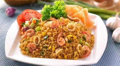 membuat seblak dengan bumbu nasi goreng makanan yang paling enak dan lezat di dunia meupakat