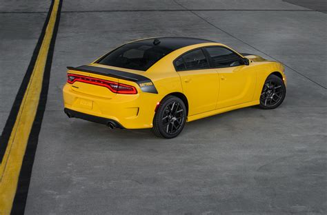 2017 dodge charger awarded 5 safety rating by the nhtsa