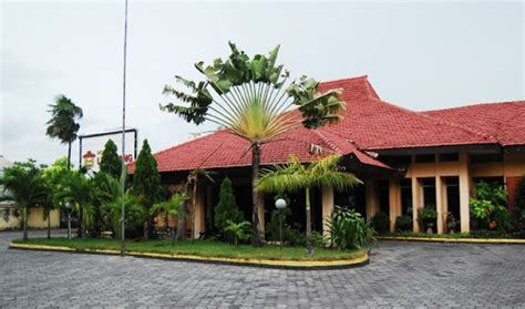 daftar hotel murah  lumajang jawa timur
