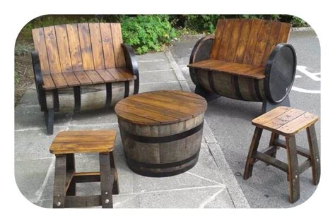 Barrel Table And Chairs by 24 Inspiring Diy Barrel Tables Patterns Hub