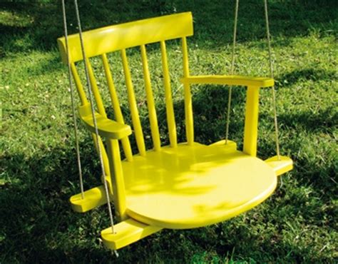 Hanging Lawn Chair by 8 Diy Outdoor And Indoor Hanging Chairs Shelterness