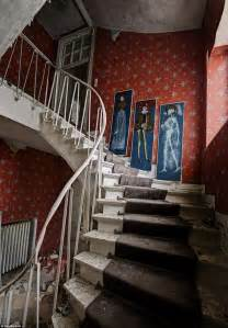 photographer daniel marbaix s photos of doctor s deserted