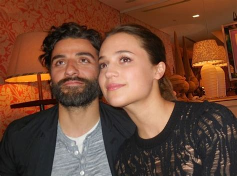 Ex Machina Nathan by Roundtable Interview Alicia Vikander Oscar Isaac Talk