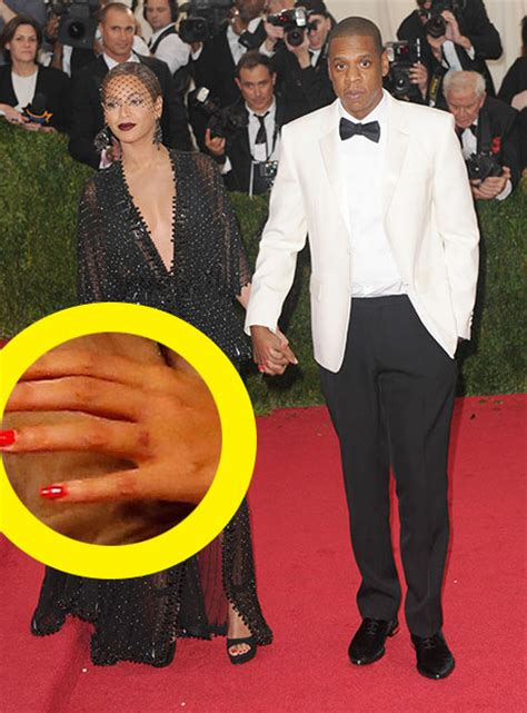 beyonce removed tattoo beyonce removes ring finger erases z eternal