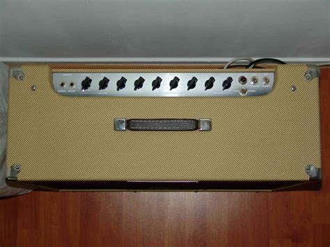 Spanish Home Design by Peavey Classic 50 212 Discontinued Image 163817
